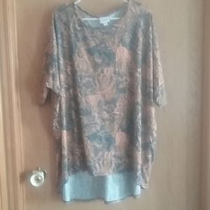 LuLaRoe Irma High Low T-shirt